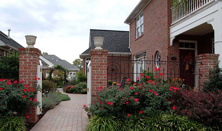 Residential House Landscaping : Residential landscaping combs landscape
